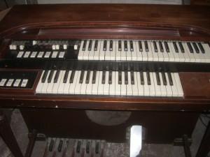 Hammond M3 Organ Front